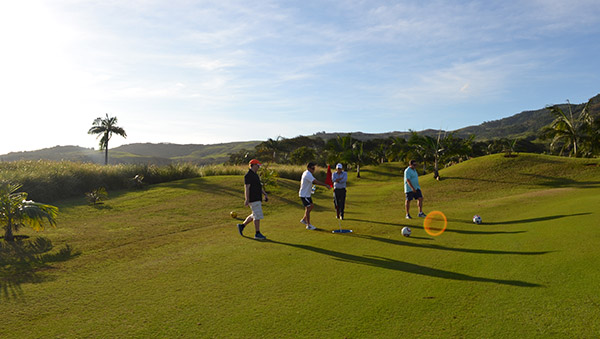 Who plays footgolf