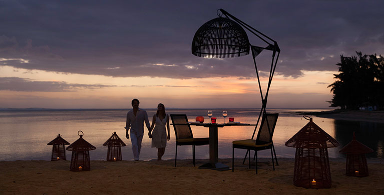 splendid sunset view while feasting