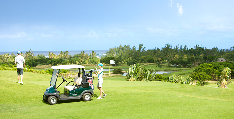 Free green fees and golf cart during the stay