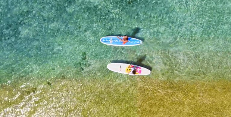 Stand up paddle in the lagoon of Bel Ombre