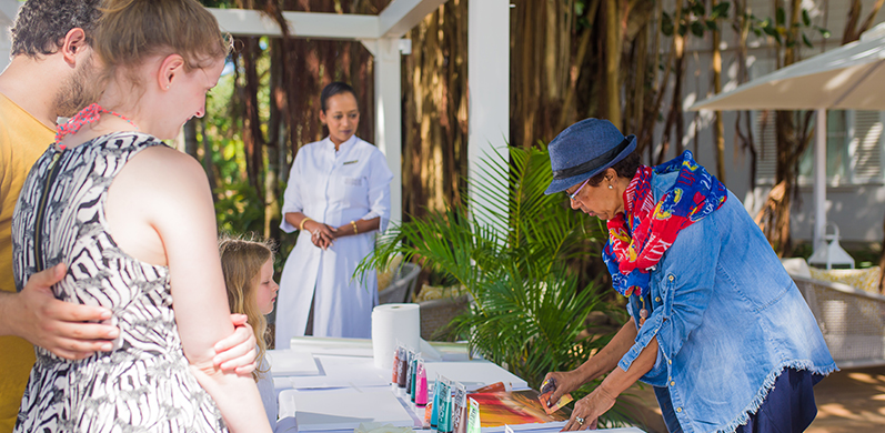 Art therapy with a local artist at Heritage Le Telfair