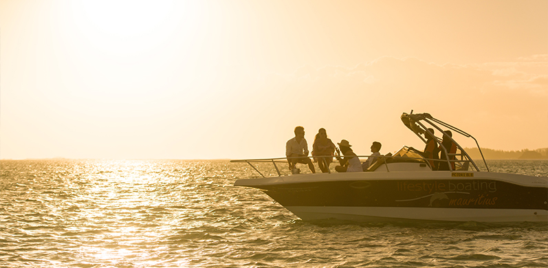 Speed boat sunset ride in the South of Mauritius