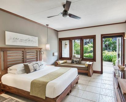 Garden view bedroom - Heritage Awali