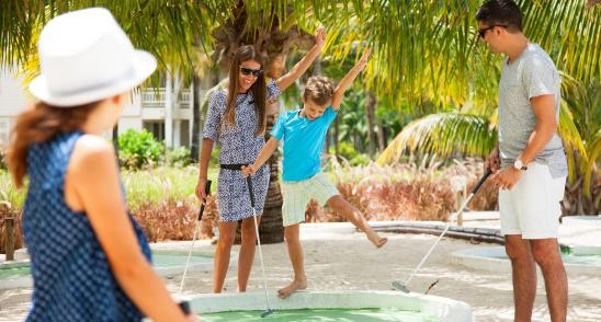 Vibrant holidays - minigolf at Heritage Resort